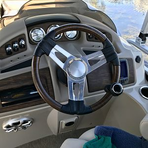 Helm with Steering Knob